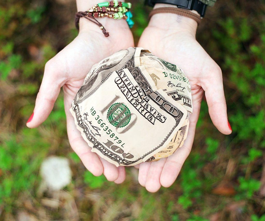manifesting money into your life